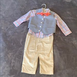 Boys 4 piece suit. Size 2T